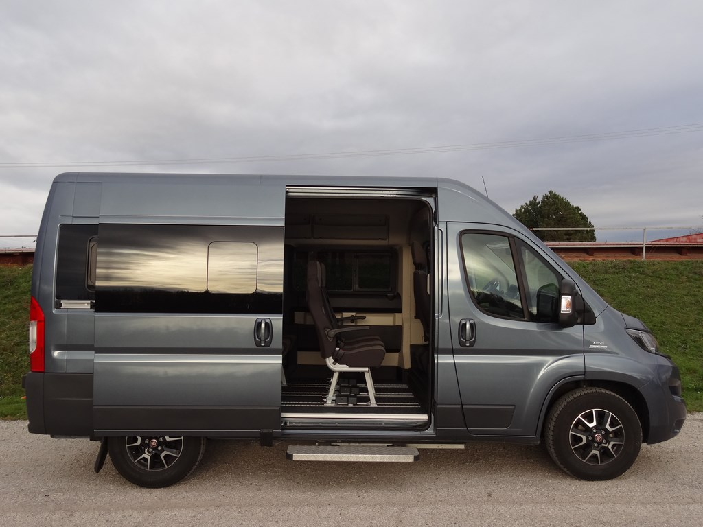 fiat ducato panorama flexfloor l2h2 3 0 mtj webauto. Black Bedroom Furniture Sets. Home Design Ideas